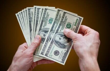 """בעל עסק סופר כסף שקיבל מהלוואה של 200,000 ש""""ח"""